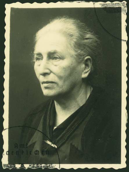 Johanna Devries Hollander 1939